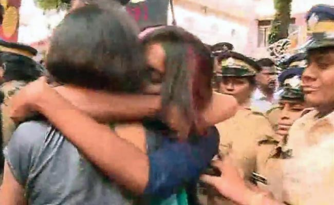 Kochi College Frowns on Hug Protest, 10 Suspended