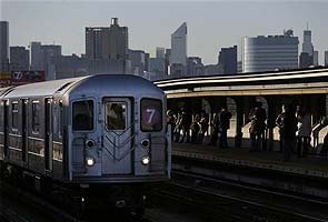 Woman stumbles, falls on New York subway tracks, dies