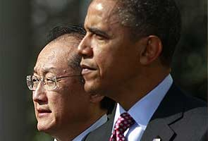 Korean-American Jim Yong Kim is chosen to lead the World Bank