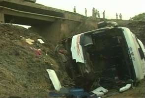 Bodies of Andhra Pradesh accident victims given to relatives