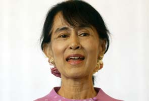 Aung San Suu Kyi returns to Britain after 24 years