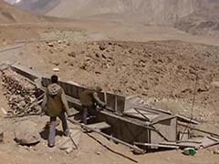 Near the Border in Ladakh, Soldiers Challenged by Lack of Roads