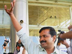Local train ride on Kejriwal's Mumbai itinerary
