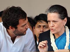 Gandhis Challenge Order That Summons Them to Delhi Court in August