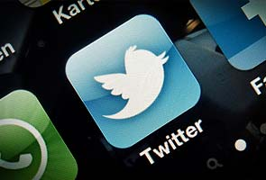 Govt vs Twitter provokes angry reactions, hashtags like Emergency2012