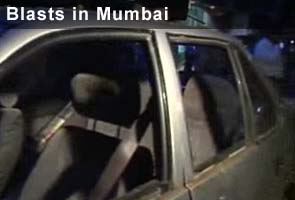 Terror Strikes Mumbai, 3 blasts, 10 reported dead