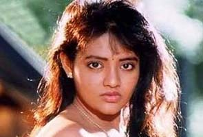 Bangalore: South Indian actress Ranjita today claimed she was not the woman ...