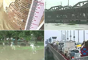 Delhi:Key bridge closed as Yamuna flows 1.33 m above danger mark